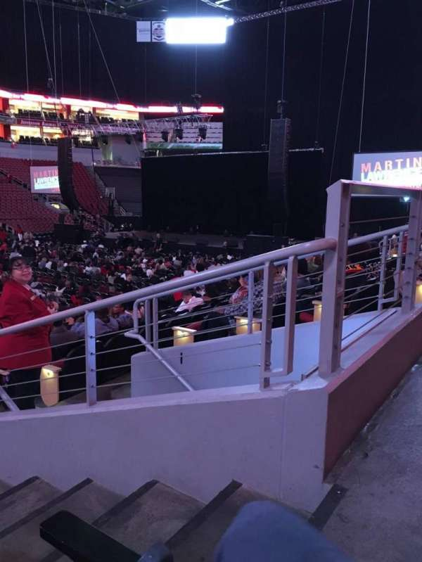 KFC Yum! Center, secção: 108, fila: N, lugar: 2