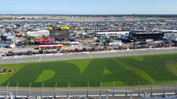 Daytona International Speedway, secção: 443, fila: 33, lugar: 3