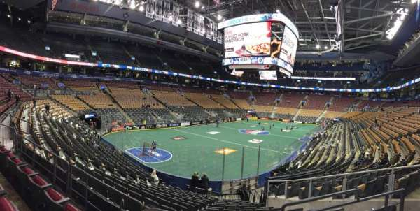 Scotiabank Arena, secção: 112, fila: 19, lugar: 7