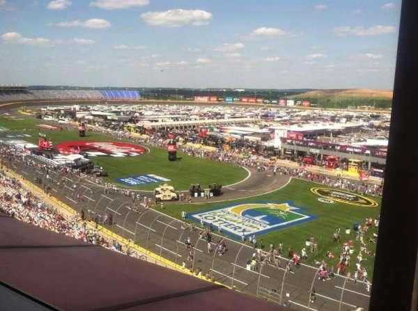 Charlotte Motor Speedway, secção: Suite 140, fila: 2, lugar: 13