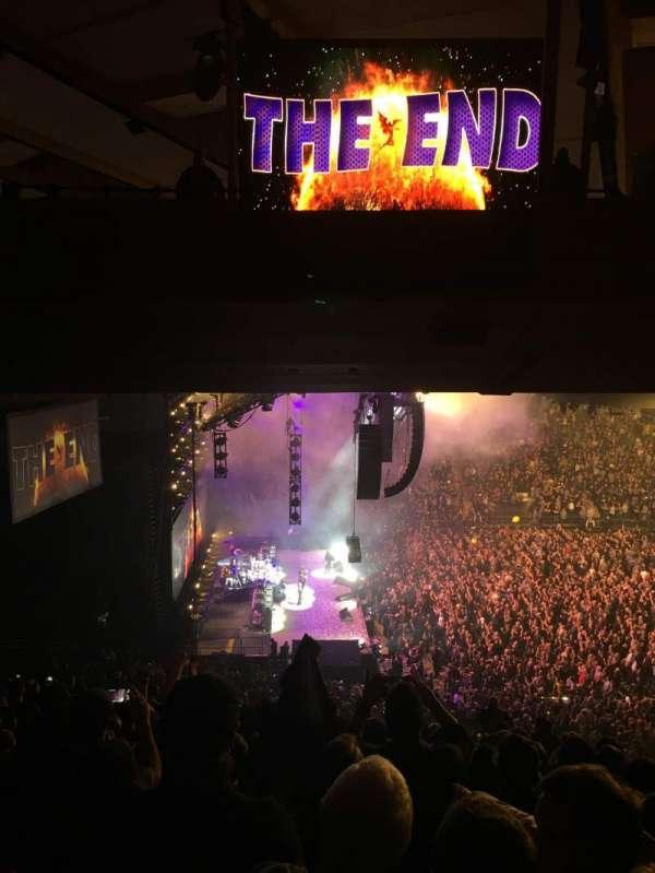 Madison Square Garden, secção: 222, fila: 16, lugar: 6