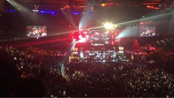 Madison Square Garden, secção: 201, fila: 2, lugar: 3-6
