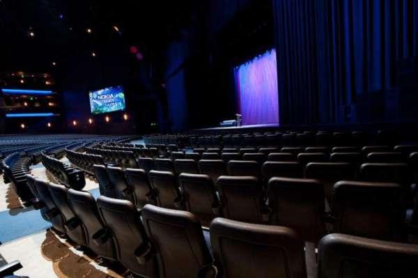Microsoft Theater, secção: Orchestra Right, fila: F, lugar: 114