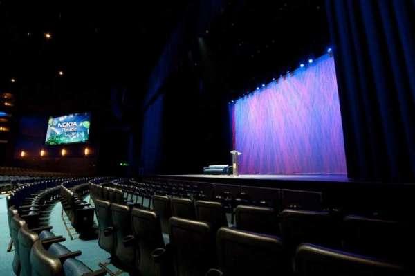 Microsoft Theater, secção: Pit Right, fila: 5, lugar: 106