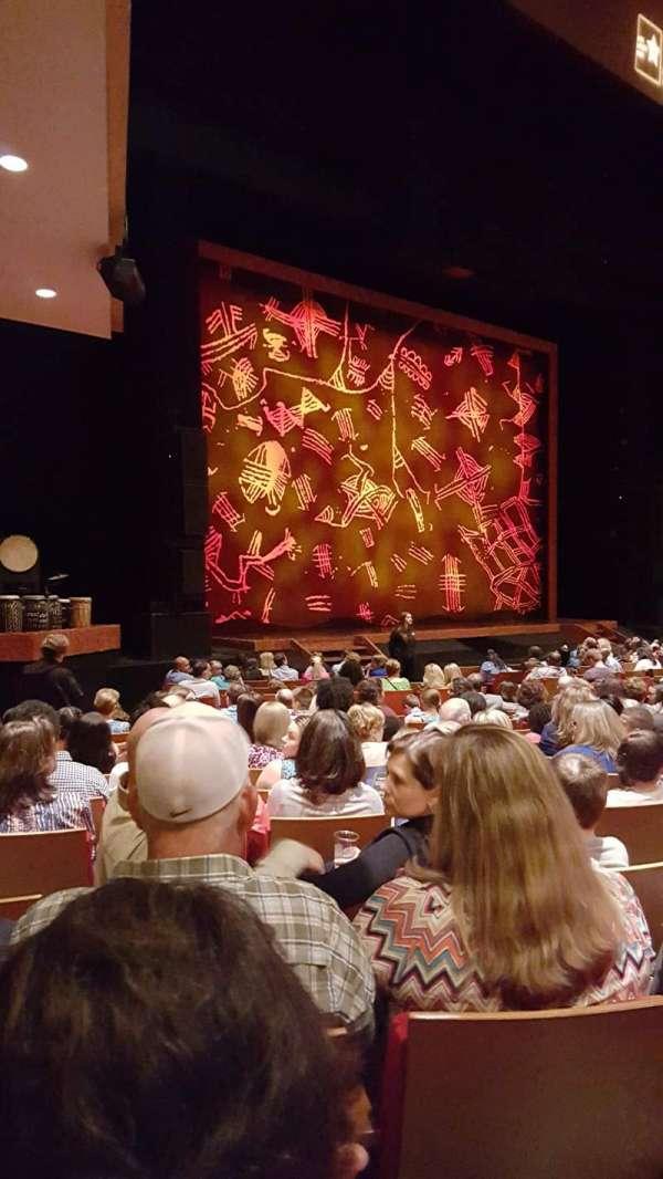 Durham Performing Arts Center, secção: 2, fila: Q, lugar: 316