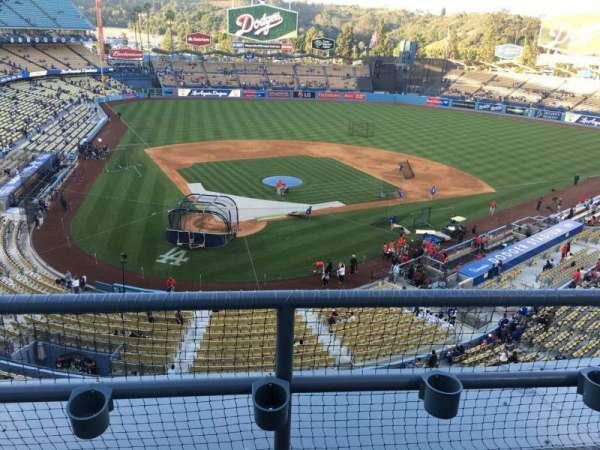 Dodger Stadium, secção: 4, fila: B, lugar: 17