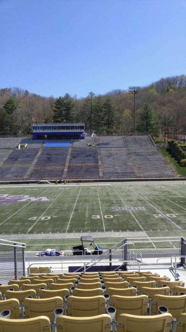 E. J. Whitmire Stadium, secção: J, lugar: 4