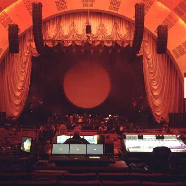 Radio City Music Hall, secção: Orchestra 4, fila: R, lugar: 408