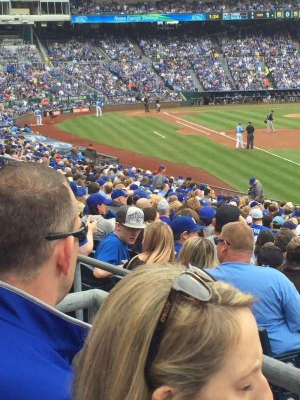 Kauffman Stadium, secção: 246, fila: BB, lugar: 5