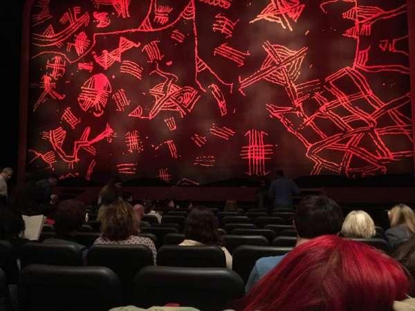 Minskoff Theatre, secção: Orchestra C, fila: K, lugar: 123
