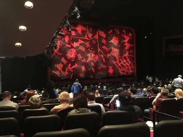 Minskoff Theatre, secção: Orchestra L, fila: V, lugar: 5