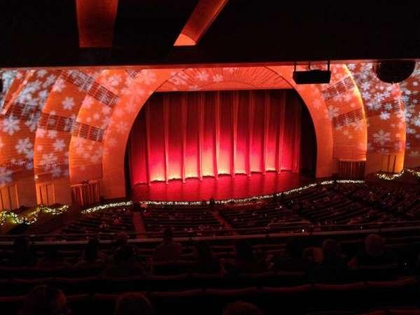 Radio City Music Hall, secção: 2nd Mezzanine 6, fila: J, lugar: 607