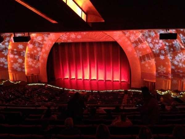 Radio City Music Hall, secção: 2nd Mezzanine 2, fila: J, lugar: 206