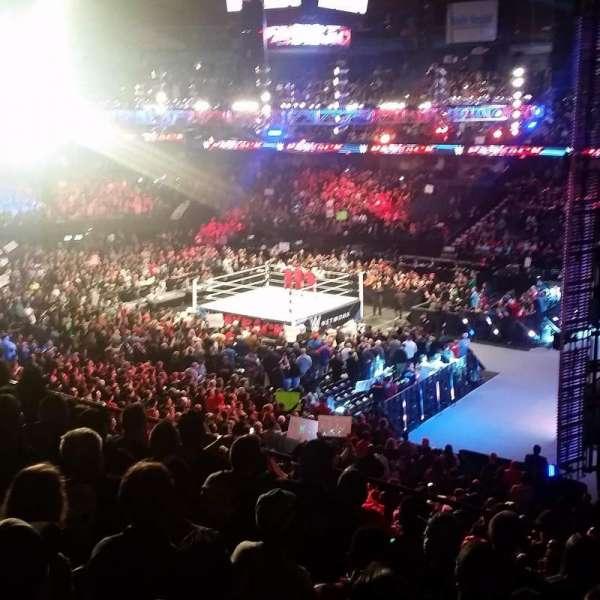 Allstate Arena, secção: 209, fila: G, lugar: 17