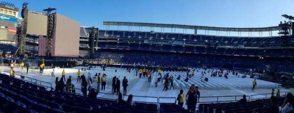 San Diego Stadium, secção: F6, fila: 12, lugar: 14