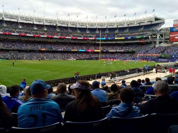 Yankee Stadium, secção: 107, fila: 8, lugar: 6