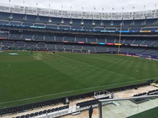 Yankee Stadium, secção: 205, fila: 3, lugar: 7
