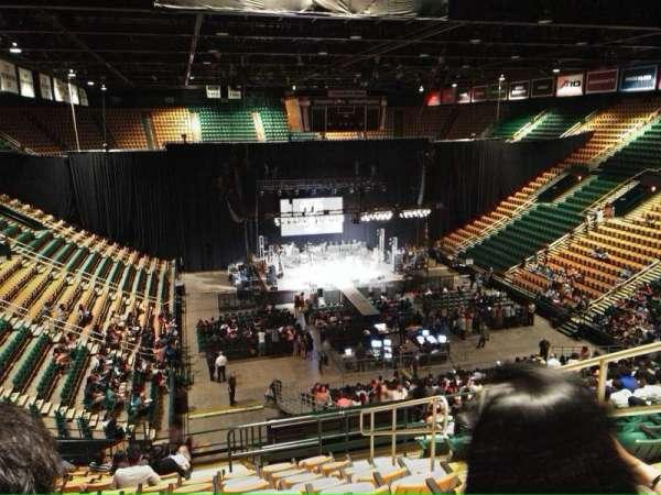 EagleBank Arena, secção: 110, fila: v
