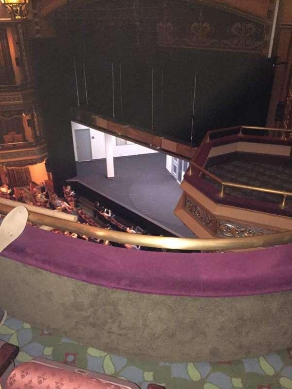 Belasco Theatre, secção: Balcony R, fila: B, lugar: 26