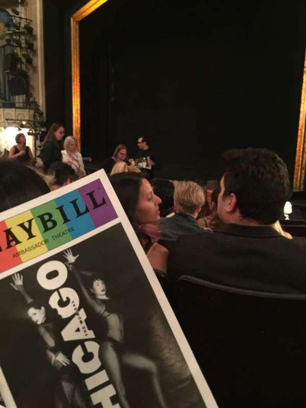 Ambassador Theatre, secção: Orchestra R, fila: G, lugar: 24