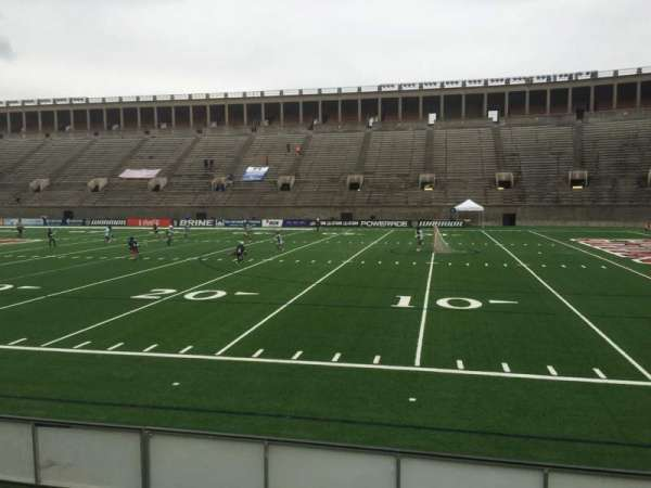 Harvard Stadium, secção: 27, fila: M, lugar: 18