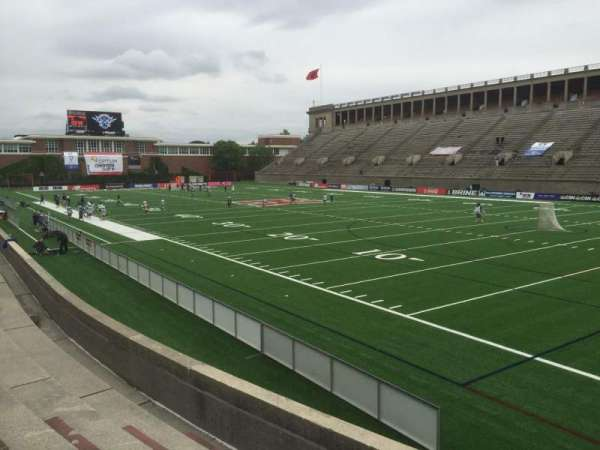 Harvard Stadium, secção: 25, fila: Q, lugar: 8