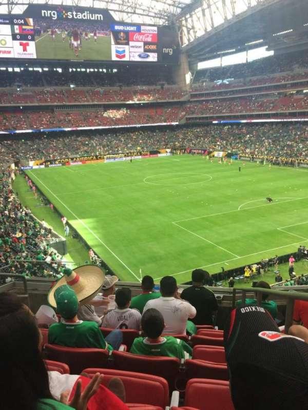 NRG Stadium, secção: 329, fila: F, lugar: 1