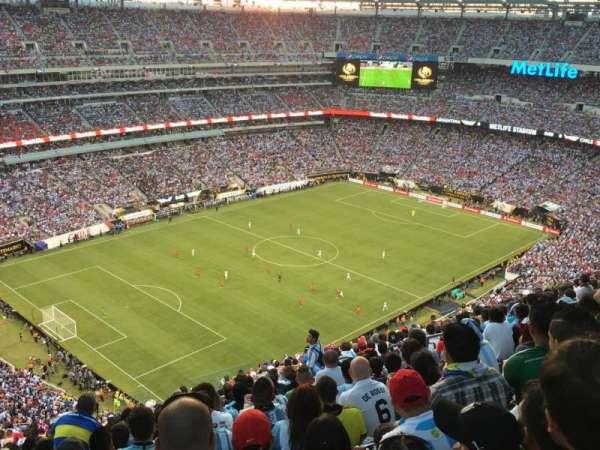 MetLife Stadium, secção: 320, fila: 26, lugar: 12