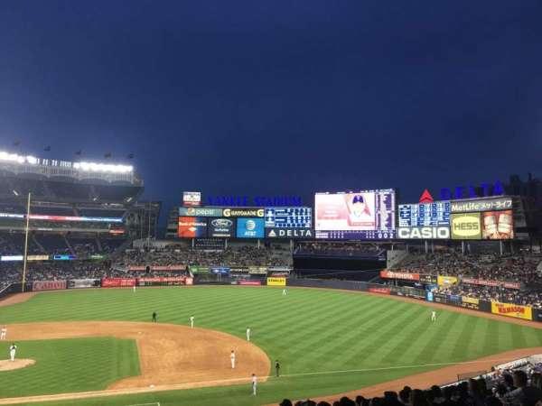 Yankee Stadium, secção: 216, fila: 13, lugar: 2