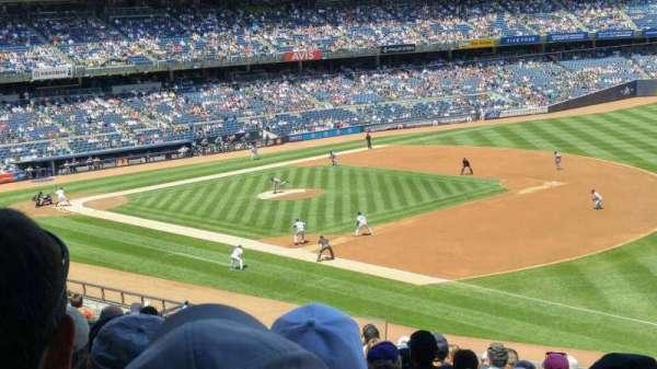 Yankee Stadium, secção: 212, fila: 14, lugar: 14