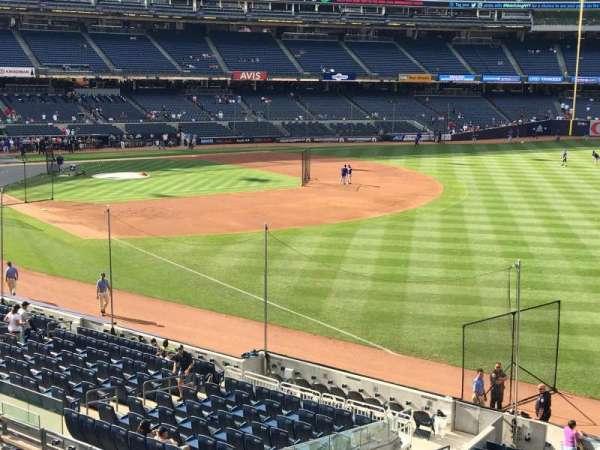 Yankee Stadium, secção: 210, fila: 1, lugar: 14