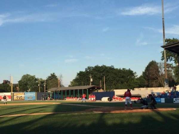 BB&T Ballpark at Historic Bowman Field, secção: Z, fila: E, lugar: 1