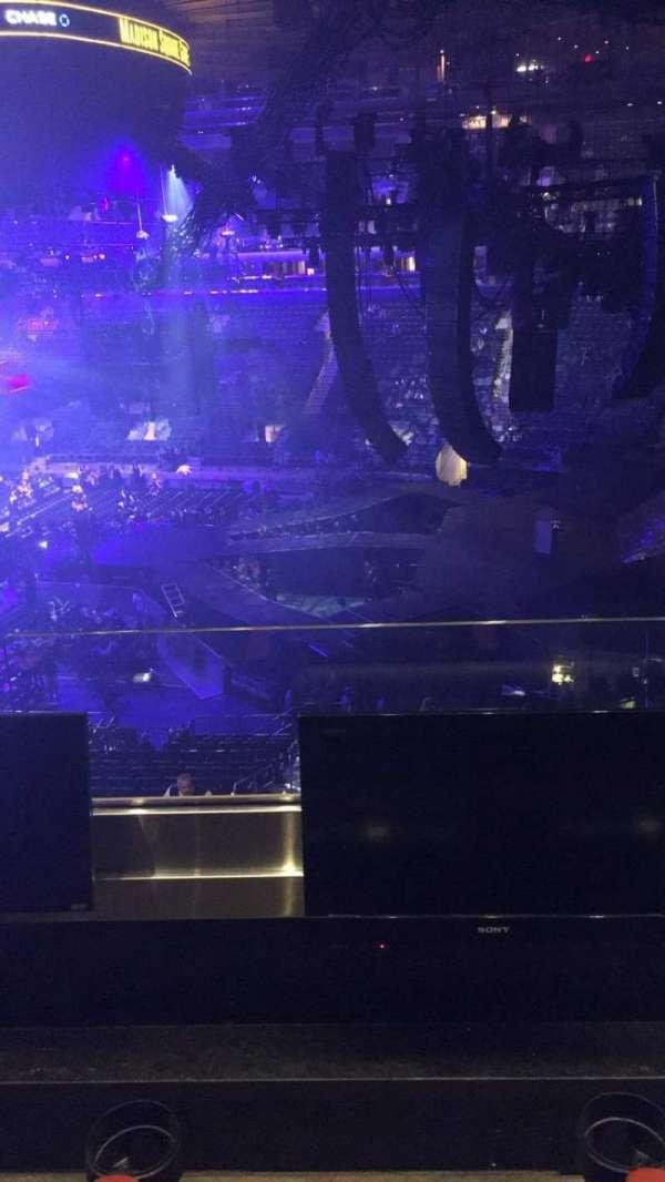 Madison Square Garden, secção: 213, fila: 2, lugar: 7