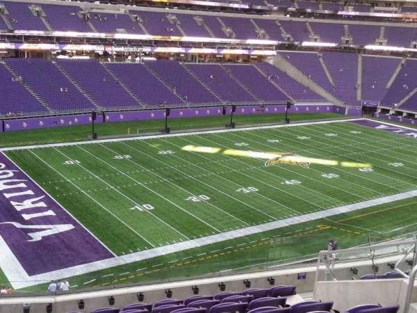 U.S. Bank Stadium, secção: 240, fila: 9, lugar: 9