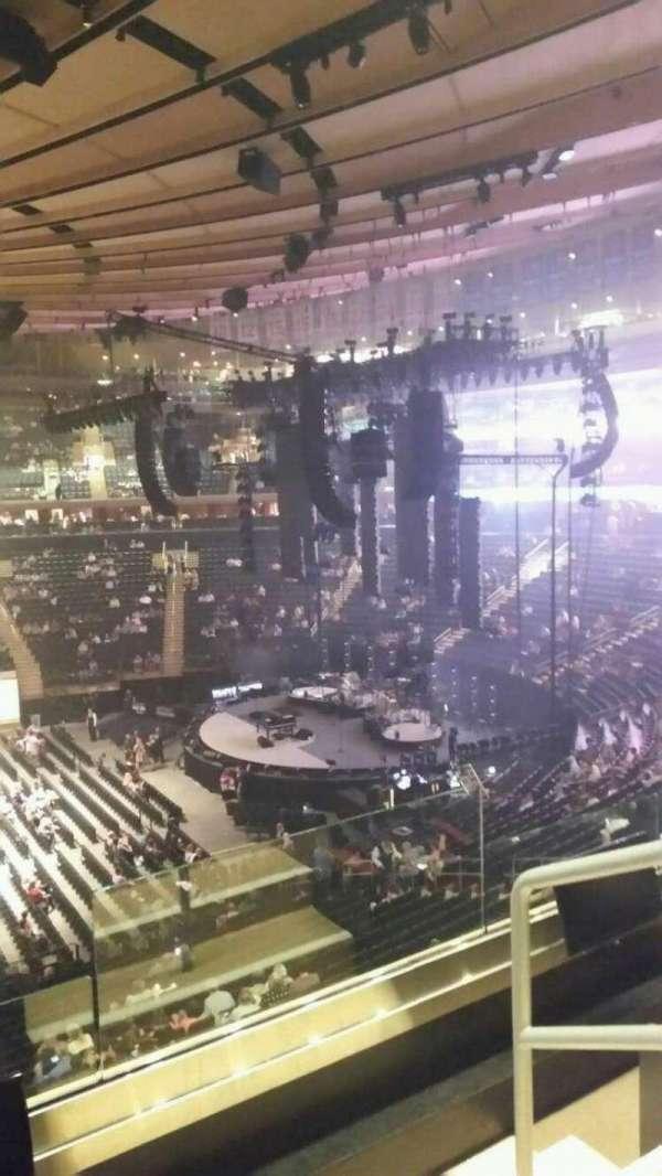 Madison Square Garden, secção: 211, fila: 3, lugar: 21