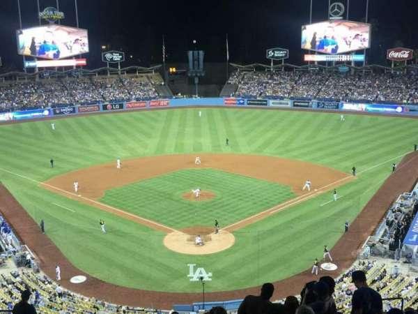 Dodger Stadium, secção: 1RS, fila: R, lugar: 11