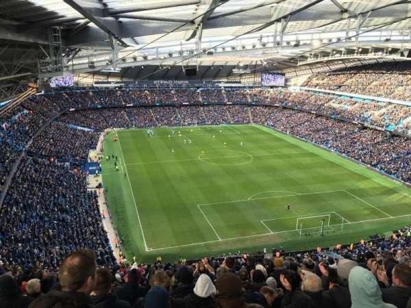 Etihad Stadium (Manchester), secção: 217, fila: M, lugar: 457