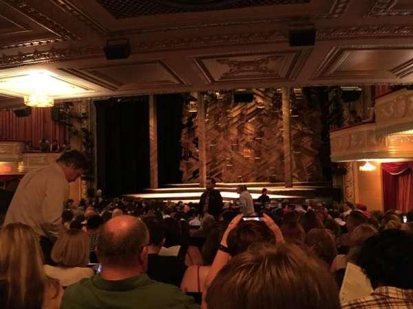 Bernard B. Jacobs Theatre, secção: Orchestra R, fila: R, lugar: 18