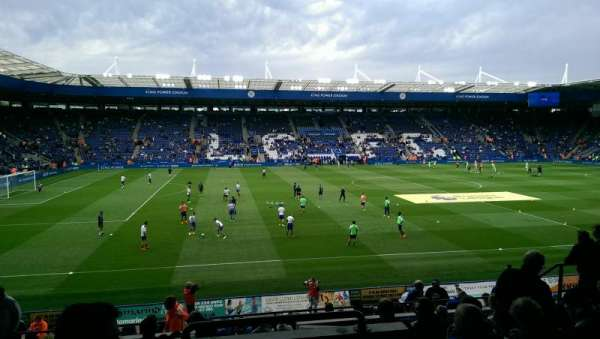 King Power Stadium, secção: H1, fila: V, lugar: 164