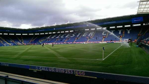 King Power Stadium, secção: C2, fila: D, lugar: 299