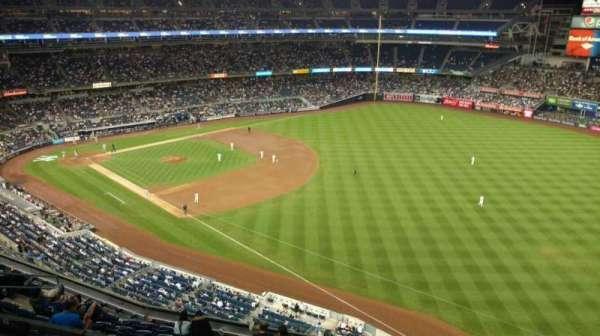 Yankee Stadium, secção: 410, fila: 1, lugar: 7