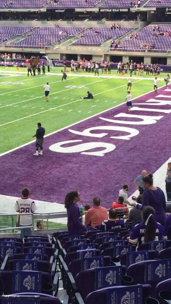 U.S. Bank Stadium, secção: 103, fila: 14, lugar: 14