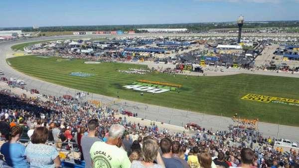 Chicagoland Speedway, secção: 107, fila: 64, lugar: 8