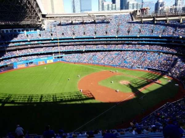 Rogers Centre, secção: 535L, fila: 19, lugar: 111
