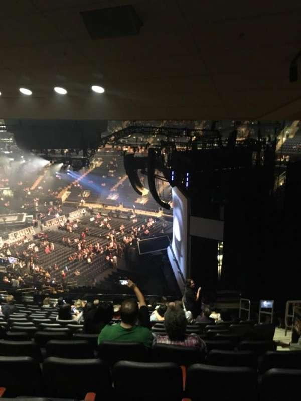 Madison Square Garden, secção: 214, fila: 14, lugar: 20
