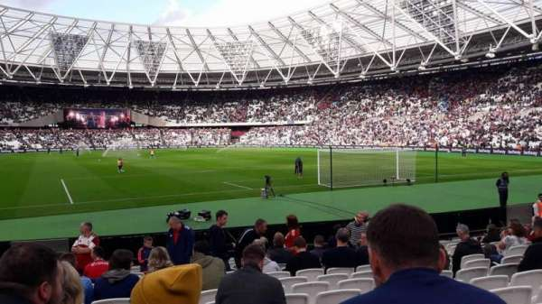 London Stadium, secção: 118, fila: 13, lugar: 86