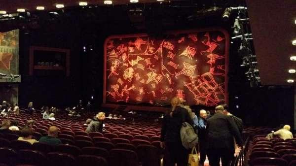 Minskoff Theatre, secção: Orchestra R, fila: YY, lugar: 2