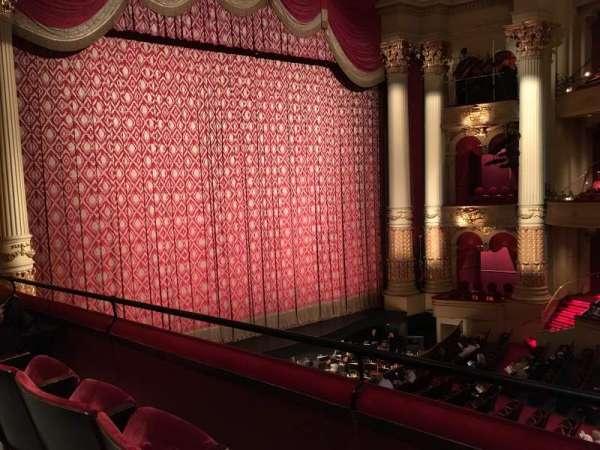Academy of Music, secção: Balcony H, fila: BB, lugar: 5