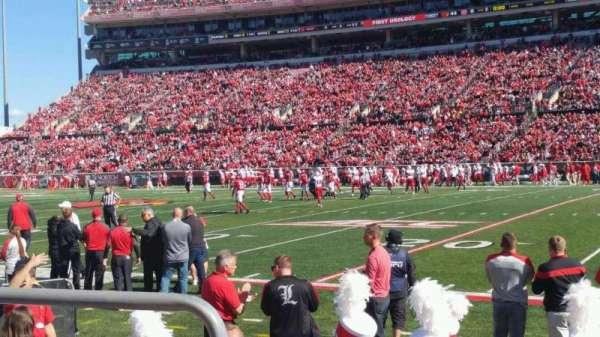 Cardinal Stadium, secção: 127, fila: B, lugar: 118