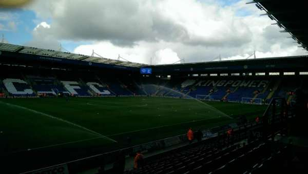 King Power Stadium, secção: H1, fila: P, lugar: 132